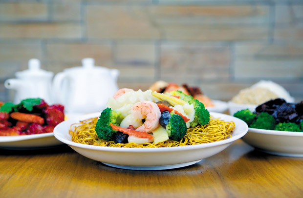Seafood with Mixed Vegetables Pan-fried Egg Noodle